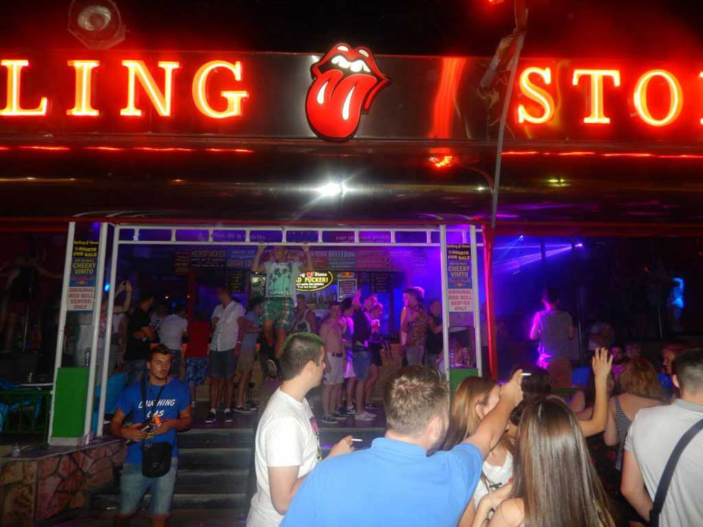 Clubs -  - Rolling Stone Bar and Nightclub