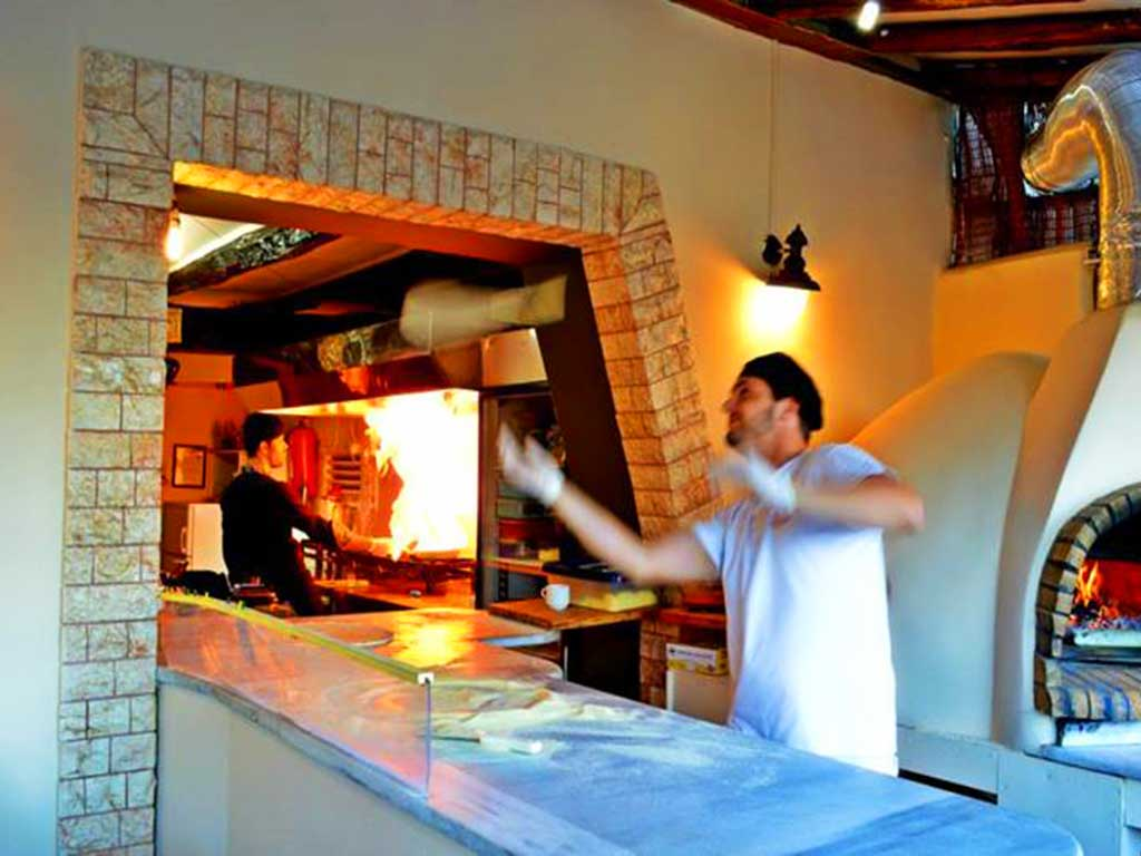 Corfu Restaurants -  - Pizzaria Kavouras