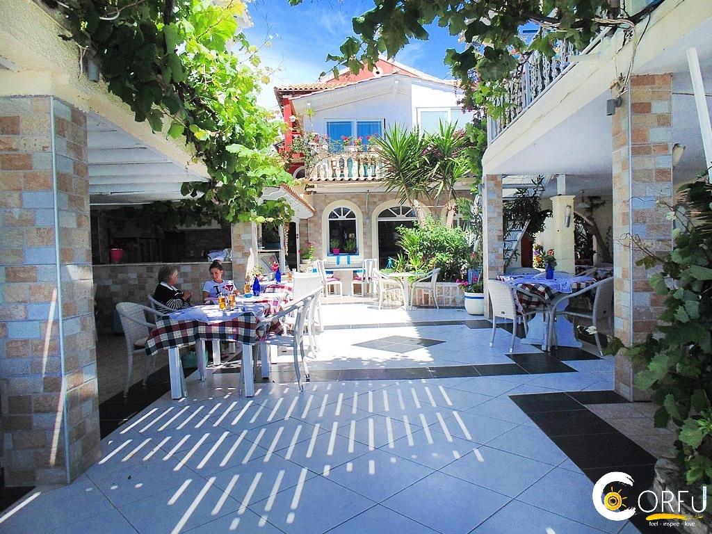 Romantic palace seaside restaurant agios gordios for Intimate hotel