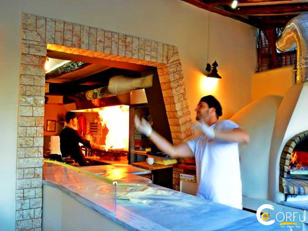 Traveler: Konstantinos Ninos Poulis at Pizzaria Kavouras